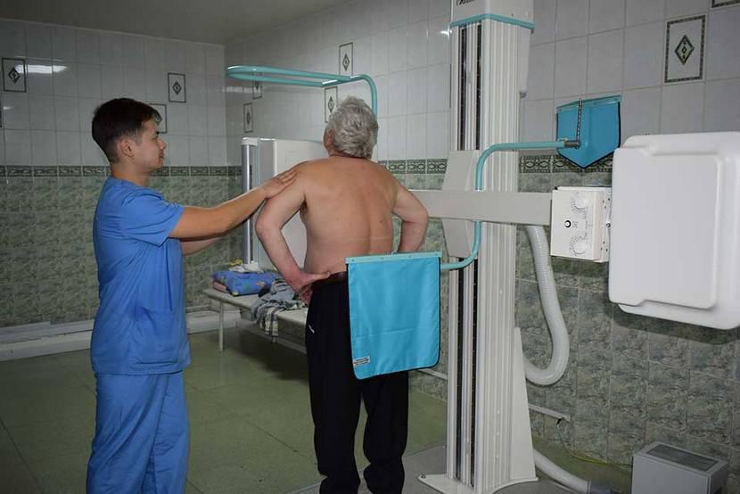 Уважаемые работники и ветераны здравоохранения Смидовичского района! Сердечно поздравляем вас с профессиональным праздником – Днём медицинского работника!