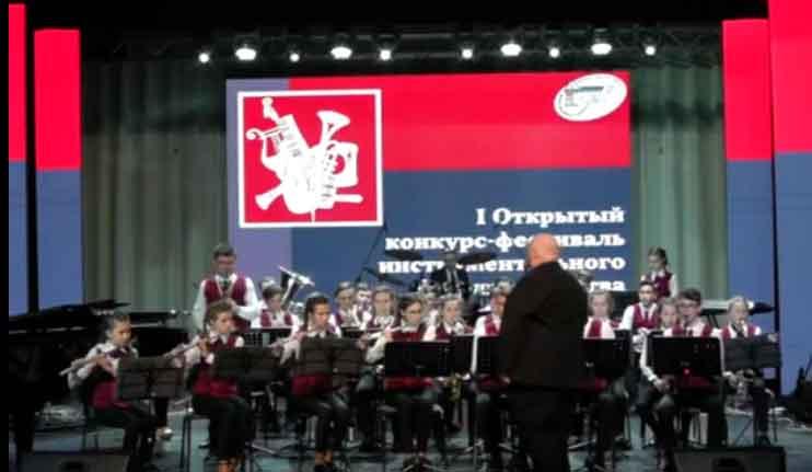 Образцовый эстрадно-духовой оркестр Детской школы искусств п. Смидович вновь блеснул своим мастерством